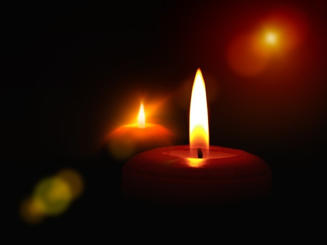 candles-230779_640